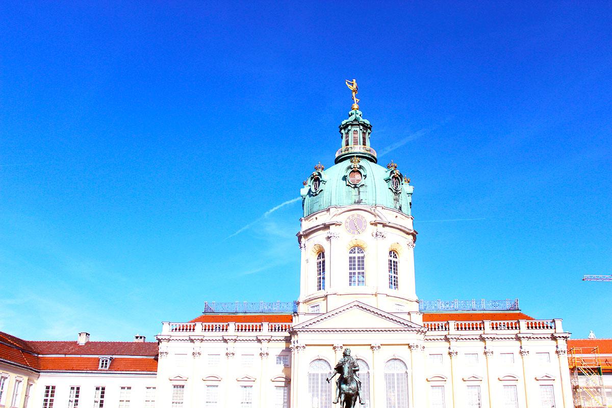 Schloss Charlottenbeurg - statut de Frederic II